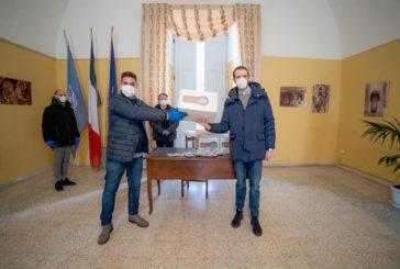 """Presentate nel palazzo comunale le mascherine """"Made in Mottola"""""""