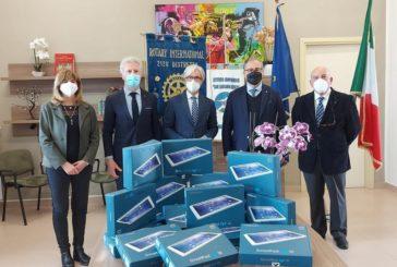 Consegnati alle scuole i tablet donati dal Rotary Club Massafra