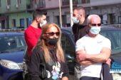 Protesta con incatenamento dei dipendenti della palestra Golden Power a Taranto