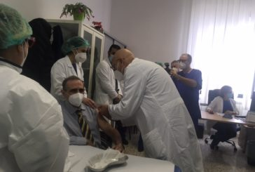 """V-DAY, Emiliano e Lopalco: """"Ultimata la somministrazione dei primi vaccini"""""""