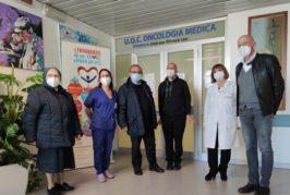 Donati nove televisori, comprensivi di materiale per installazione, al reparto oncologico del Fazzi